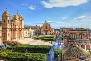castel, arhitectura, Noto, Sicilia, Italia_shutterstock_96415895