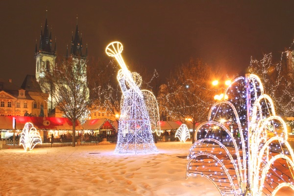 christmas-mood-on-snowy-old-town-square-prague-czech-republic-shutterstock_87122497