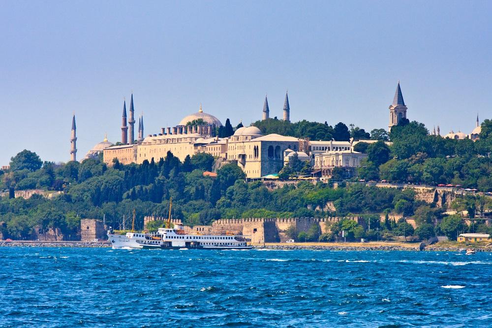 Topkapi Palace, Istanbul shutterstock